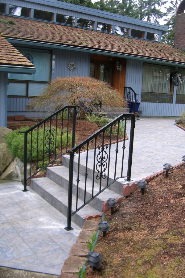 Railings: Exterior Stairs
